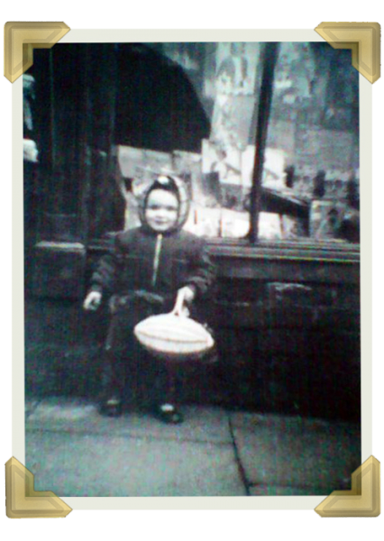 Pat Roberts aged 2 outside Russell St