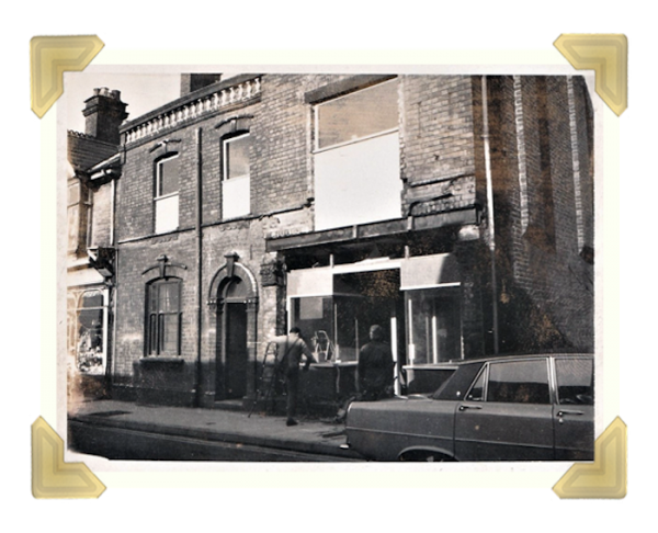 Marian's, 39-40 Union Street, shop front installed on No.40 1974
