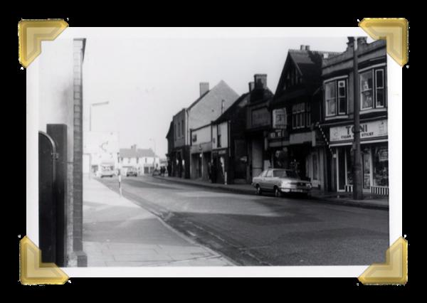 Toni's, Upper High Street (courtesy of Ian Bott)