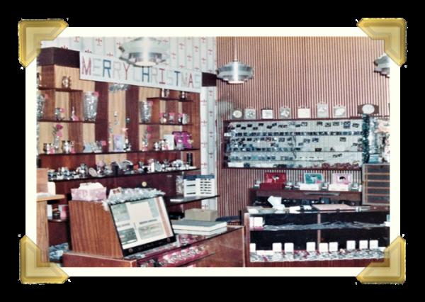 Marian's, 40 Union Street shop Christmas display 1977