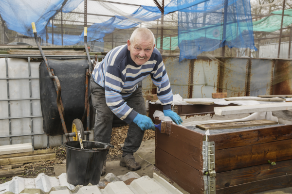 Brian and Lynne Neville, Woden Road Allotments, 2021 © Denise Maxwell