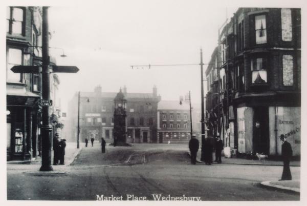 MK5 Frederick William Longmore, Hatter (far right)