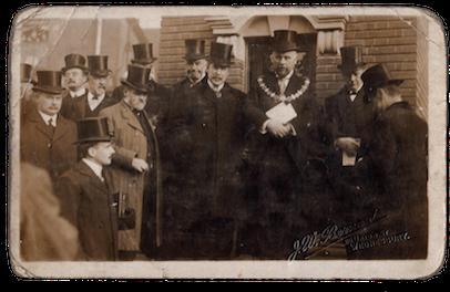 WMT9 Wednesbury Market Town 1911. Market Place Town Hall dedication of George V Coronation Clock, 9 Nov 1911